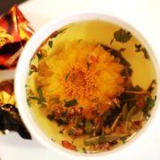 Травяной чай Макушка лета - календула распустилась в чашке :)